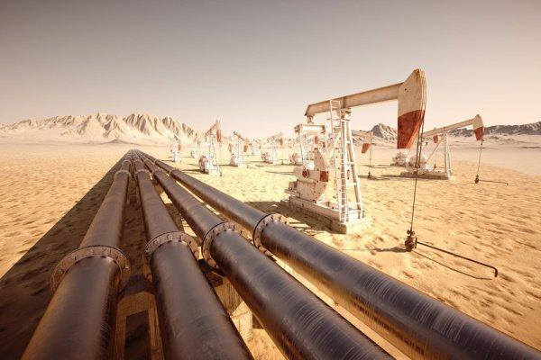 Саудовские власти сообщили об атаке на нефтепровод.