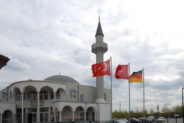 Большая часть мечетей Германии финансируется Турцией.