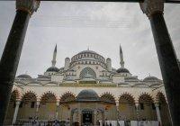 Рустам Минниханов посетил крупнейшую мечеть Турции