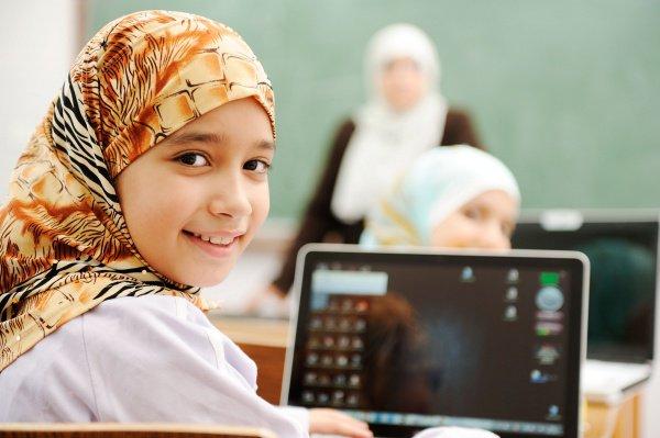 Учащимся начальной школы в Австрии запретили носить хиджаб.