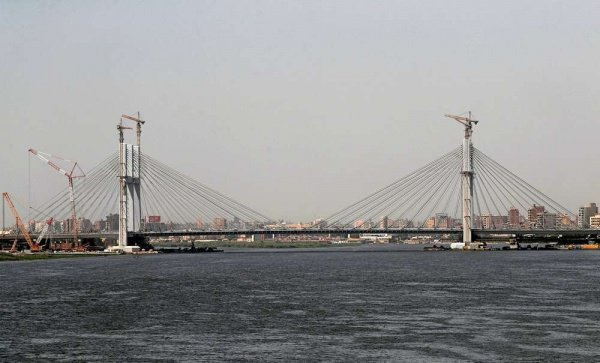 В Египте открыли крупнейший в мире подвесной мост