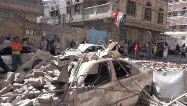 Арабская коалиция нанесла авиаудар по Сане.