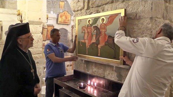 Копия иконы уже находится в церкви.