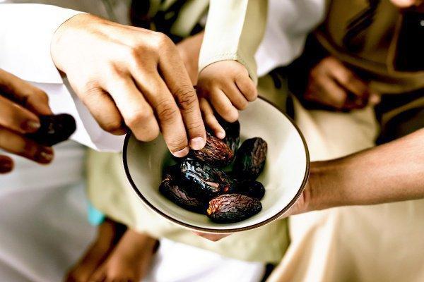 Почему мусульмане соблюдают пост в Рамадан?