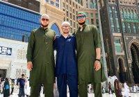 Известные спортсмены совершают Умру в Рамадан