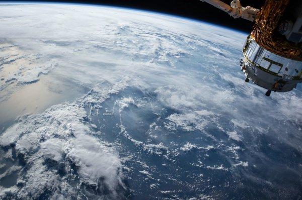 Космическая станция предстанет в виде яркой быстро движущейся звезды