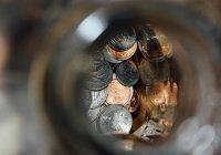 В Китае женщина расплатилась за машину монетами