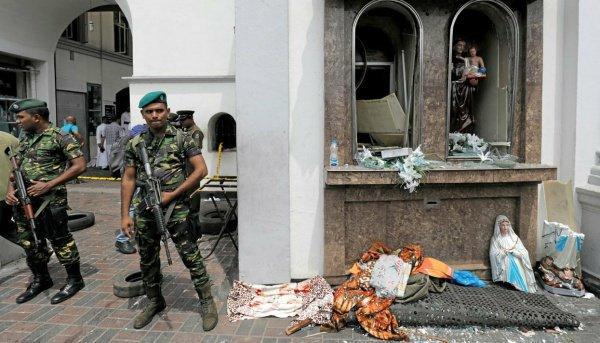 Расследование терактов в Шри-Ланке продолжается.