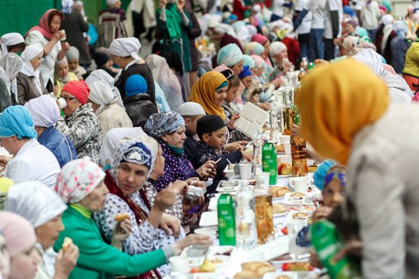 Мусульманки соберутся на ифтар в Казани.