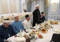 Муфтий Татарстана посетил ифтар в Арском районе
