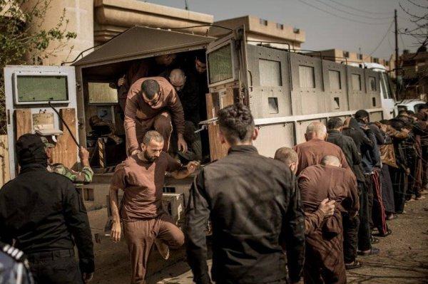 Боевики были задержаны на территории Сирии.