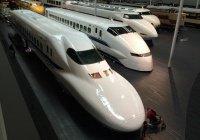 Самый быстрый поезд на планете показали в Китае (ВИДЕО)