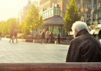 Стало известно, куда чаще всего берут на работу пенсионеров