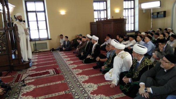Праздничный намаз в Галиевской мечети