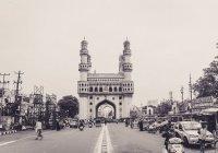 В Индии водитель сбил 8 мусульман на праздничной молитве