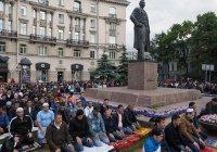 Ураза-байрам в Санкт-Петербурге отметили 200 тыс. мусульман