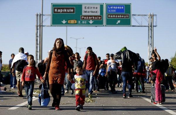 В Турции находятся порядка 4 миллионов мигрантов из Сирии.