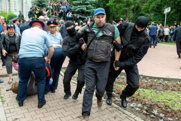 В Казахстане прошли несанкционированные акции протеста.