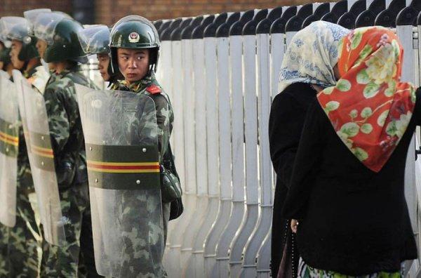 Власти Китая по-прежнему отвергают обвинения в преследовании мусульман.