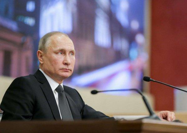 Владимир Путин отметил деградацию отношений с США.
