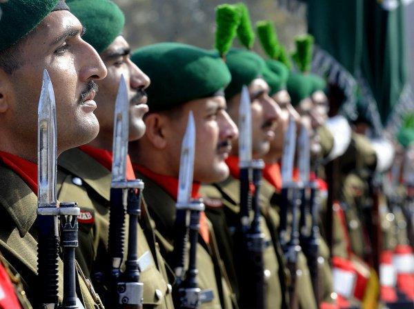 Россия может поставить вооружение пакистанской армии.