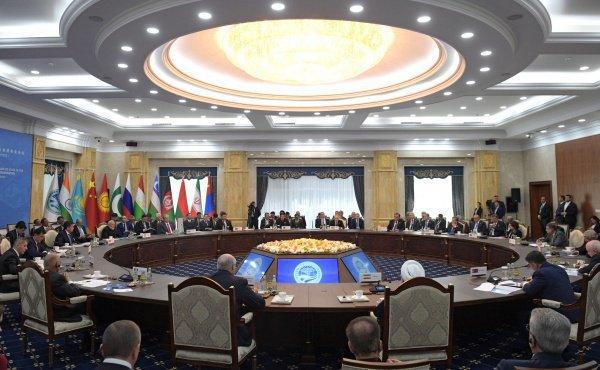 В Бишкеке продолжается саммит ШОС.