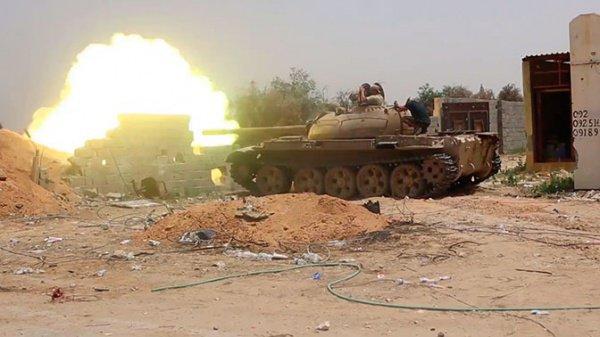 В Ливии продолжается столкновение армий ПНС и маршала Хафтара.