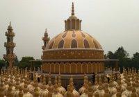 Как выглядит мечеть с 201 куполом, вошедшая в Книгу рекордов Гиннеса?