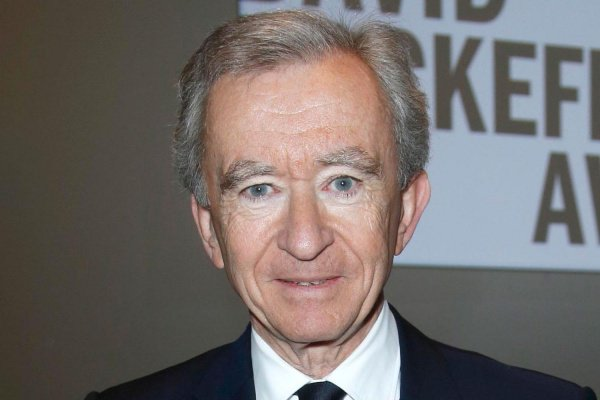 Согласно оценке Bloomberg, в настоящее время его состояние составляет свыше 3% от ВВП Франции