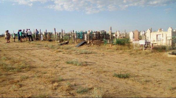 В Астраханской области разыскивают вандалов.