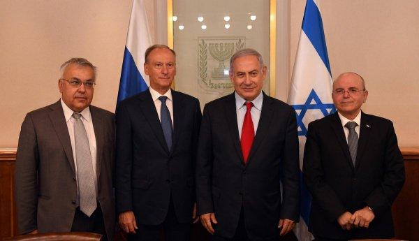 Главы Совбезов России, США и Израиля с Биньямином Нетаньяху.