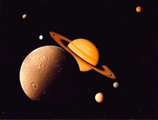 Предполагается, что выявленные кристаллические образования образуют кольца вокруг углеводородных озер на спутнике Сатурна