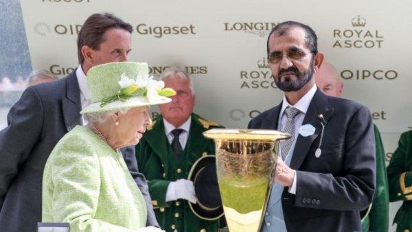 Королева Великобритании и правитель Дубая.