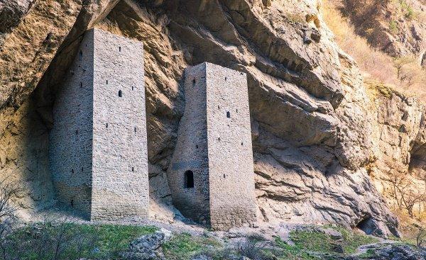 Ушкалойские башни (Фото: russia.travel)