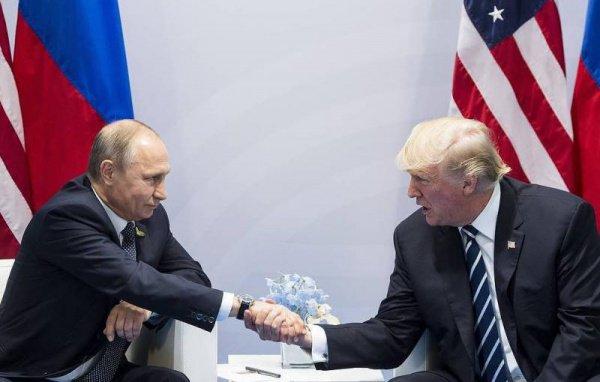 Лидеры России и США беседуют за закрытыми дверями.
