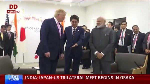 Лидеры США, Японии и Индии перед трехсторонней встречей.