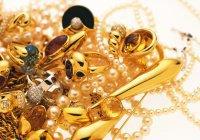 """""""Всякий раз, когда руки простирает он в щедрости, рассыпает во все стороны серебро и золото"""""""