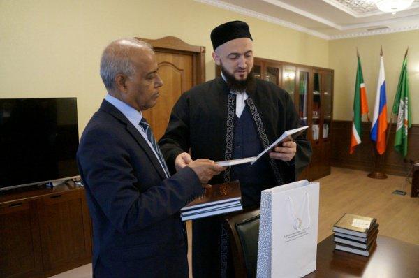 Дипломат также посещал муфтият в феврале 2018 года