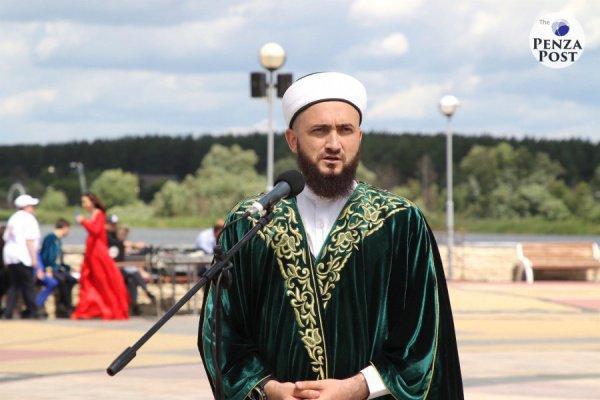Мусульманский лидер посетил Центральную Соборную мечеть Пензы и побывал на областном Сабантуе (Фото: penza-post.ru)