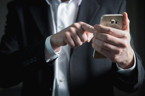 «Как смартфоны лишают человека веры...»