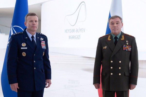 Военачальники на встрече в Баку.