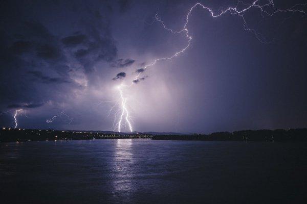 Причиной гибели женщины стало поражение электрическим током (Фото: Dejan Zakic/Unsplash)