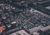 Илон Маск презентовал чип для чтения мыслей