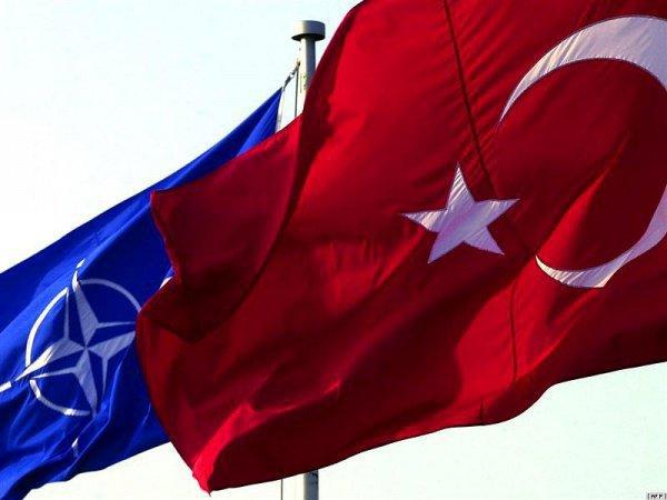 НАТО не будет исключать Турцию из-за покупки С-400.