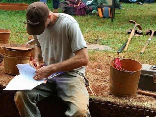 Археологи сделали необычные открытия в Псковской области.