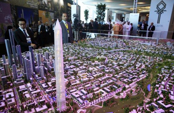 Жители Египта выберут логотип и название новой столицы.