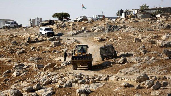 Власти Израиля намерены снести несколько палестинских деревень.