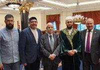 Муфтий РТ принял участие в церемонии присвоения степени почетного доктора главе Всемирной Исламской Лиги