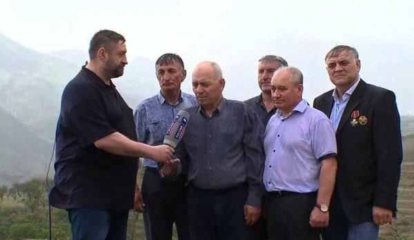 Жители Дагестана во время прямой линии с Владимиром Путиным.