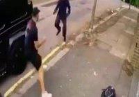 В Лондоне неизвестные с ножами напали на Месута Озила (Видео)
